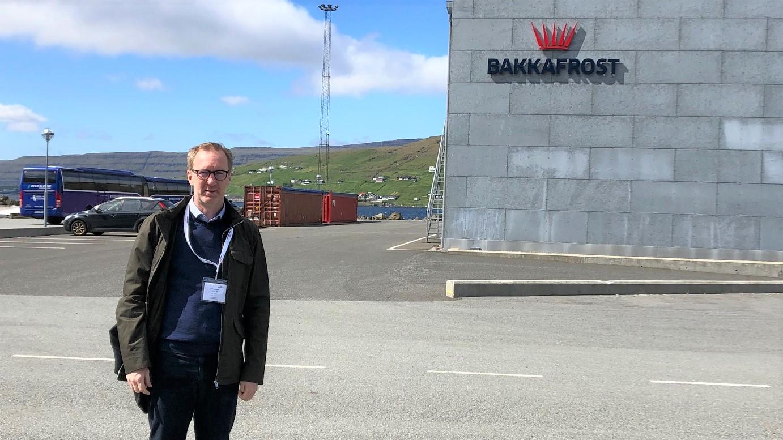 Fredric Nyström, chef ansvarsfulla investeringar på Öhman Fonder, utan för Bakkafrost lokaler.